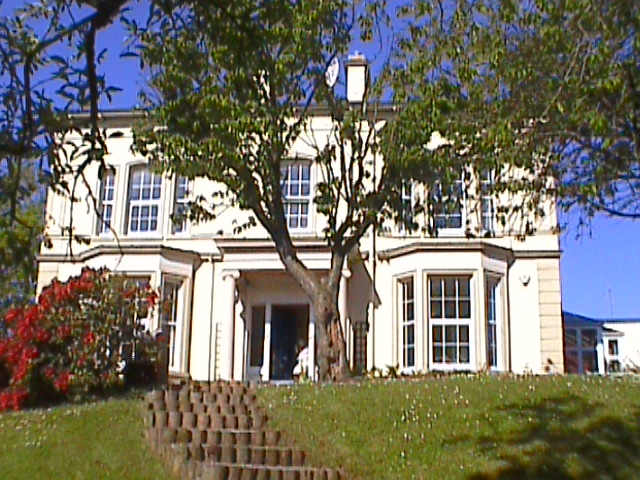 BREEZEMOUNT MANOR