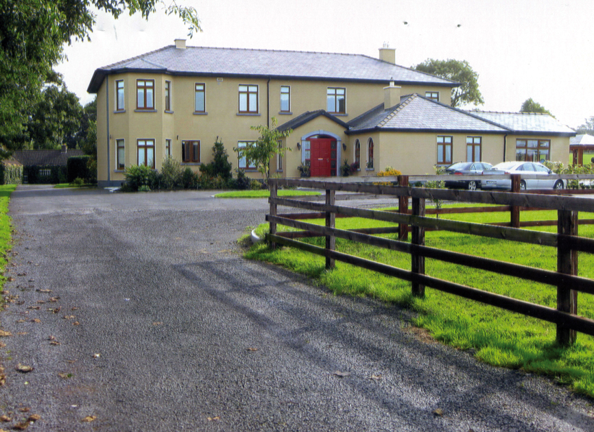 CAHERGAL HOUSE and Equestrian Center