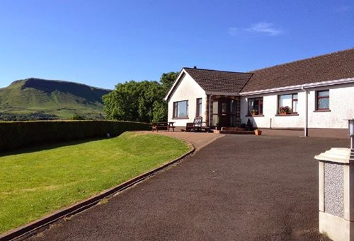 Bed Breakfast Accommodation Cushendall Antrim Bt44 0sp B B B And B 16 Cloughs Road