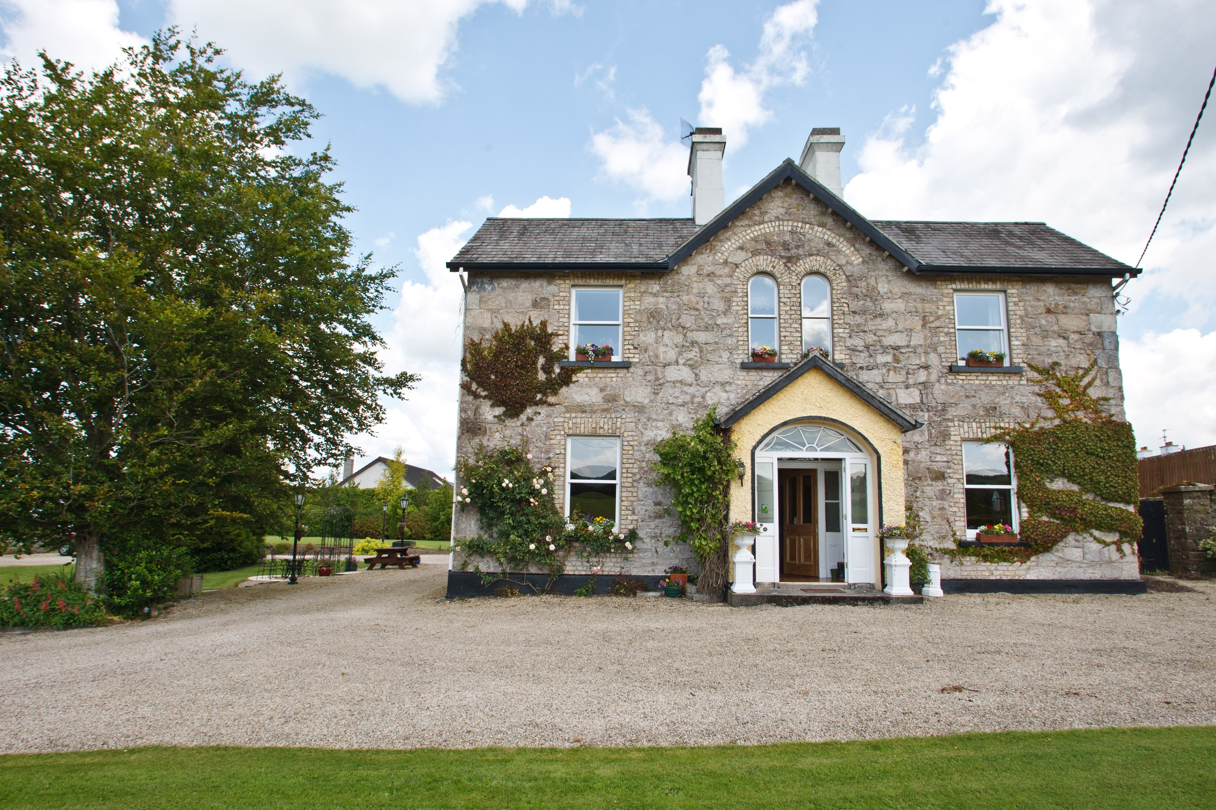 Ardmore country house irish farmhouse holidays for Country garden designs ireland