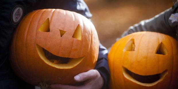 halloween traditions in ireland festivals events bb ireland