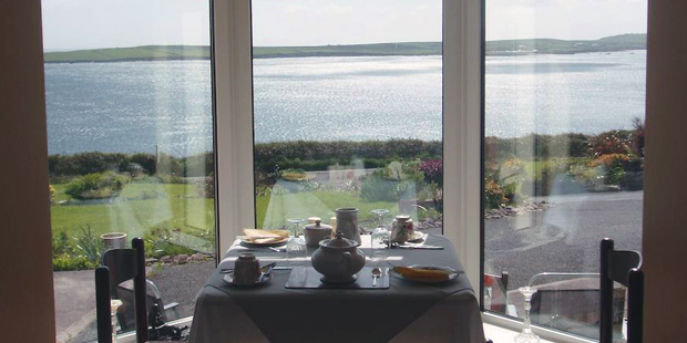 Top reasons for booking a Bed and Breakfast online with B&B Ireland