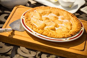 Traditional Farmhouse Apple Pie