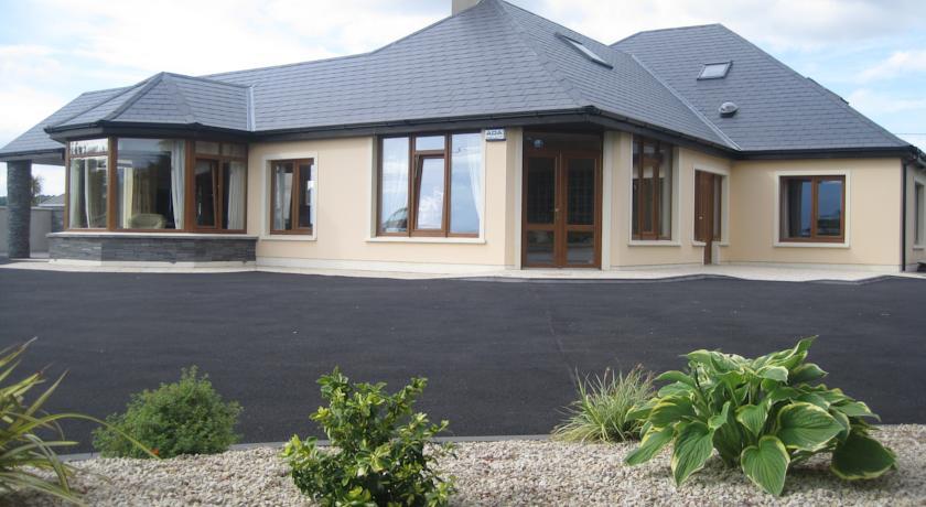 KILLARNEY HOUSE