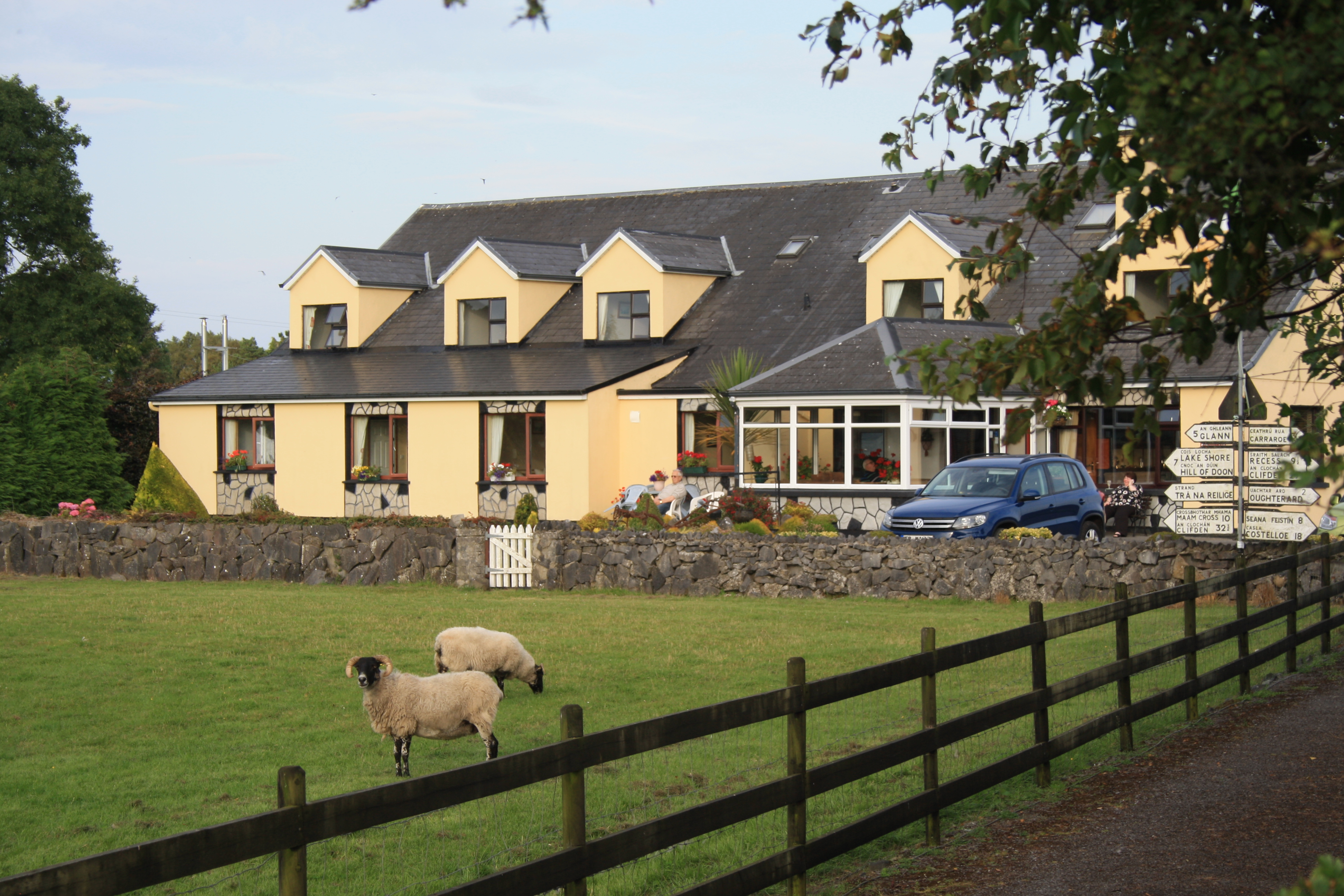 CORRIB WAVE FARM GUESTHOUSE